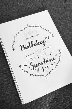 DIY Happy Birthday Lettering  mit Dekoelementen