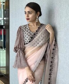 Latest Collection of Saree & Blouse Designs in the photo gallery. Saree & Blouse styles from India's Top Online 🛒Shopping Sites. Best Blouse Designs, Sari Blouse Designs, Designer Blouse Patterns, Saree Draping Styles, Saree Styles, Blouse Styles, Latest Saree Blouse, Design Page, Stylish Sarees