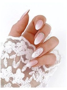 Baby Boomer Nails is the new modern French manicure - living .- Babyboomer Nägel ist die neue moderne French Maniküre – Wohnideen und Dekoration Baby Boomer Nails is the new modern French manicure wedding nail ombre in pink and white gilt accent - French Nails, French Manicure Nails, Nail Art Designs, Stars Nails, Simple Wedding Nails, Pink Wedding Nails, Wedding Manicure, Modern Nails, Bride Nails