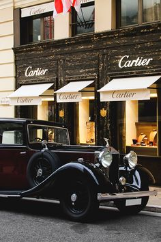 Stunning Rolls Royce parked in front of Cartier