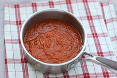 easy veggie-loaded marinara sauce, via Yummy Toddler Food Toddler Friendly Meals, Healthy Toddler Meals, Kids Meals, Healthy Snacks, Toddler Food, Healthy Eats, Vegetarian Main Meals, Easy Marinara Sauce, Tomato Sauce