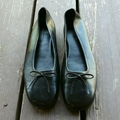 Easy Spirit Flats,  Size 8.5 Nice black flats Easy Spirit Shoes Flats & Loafers