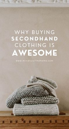 There are plenty of reasons for why you should buy secondhand clothing, many of which benefit you as well as the environment. It's a win-win! Sustainable Clothing, Sustainable Fashion, Sustainable Products, Sustainable Living, Second Hand Fashion, What Is Vintage, Fast Fashion Brands, Vintage Outfits, Vintage Fashion