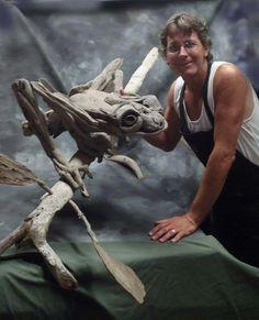 Driftwood Fish, Driftwood Sculpture, Driftwood Crafts, Wood Carving Art, Unusual Art, Tree Frogs, Artist Gallery, Wooden Art, Art Plastique