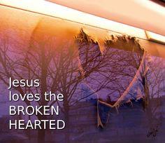 Der HERR hat mich gesandt, den Elenden gute Botschaft zu bringen, die zerbrochenen Herzen zu verbinden, zu verkündigen den Gefangenen die Freiheit. Jesaja 61:1  Das Leben ist erschienen, und wir haben gesehen und bezeugen und verkündigen euch das Leben, das ewig ist. 1.Johannes 1:2