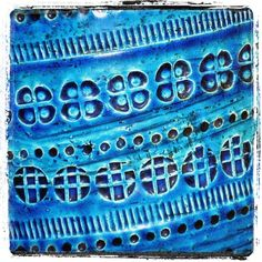 #bitossi #aldolondi #rimini #riminiblu #riminiblue #italy #italiandesign #italianpottery #studio #brutalist #italianmodern #midcenturymodern #alvinobagni #pattern #midcenturypottery #ceramics #tablelamp #ceramiclamp #bitossilamp #1stdibs #vintage #retro #1960s #vintagebitossipotterylamp #selectmidcenturymodern #littlerivermiami by selectmidcenturymodern