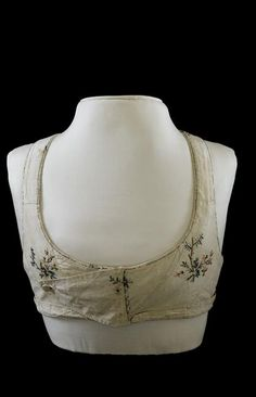 Bodice belonging to Empress Josephine, ca.1805-1814  What about double fold backs on both sides for steampunk