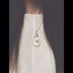 Daisy necklace.