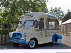 Retro wedding ice cream van, yes perlease!