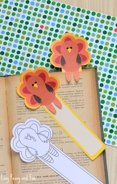 Printable Turkey Bookmarks - Easy Peasy and Fun Fun Easy Crafts, Crafts For Kids To Make, Creative Crafts, Kids Crafts, Thanksgiving Crafts For Kids, Holiday Crafts, Thanksgiving Turkey, Kindergarten Crafts, Preschool Crafts