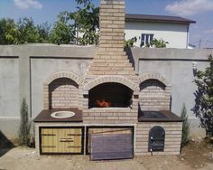 Gratar, plita si chiuveta. Model Dobroiesti - gratare de gradina din caramida Outdoor Grill Area, Outdoor Bbq Kitchen, Outdoor Barbeque, Backyard Kitchen, Brick Grill, Barbecue Design, Bbq Grill, Garden Design, Pergola