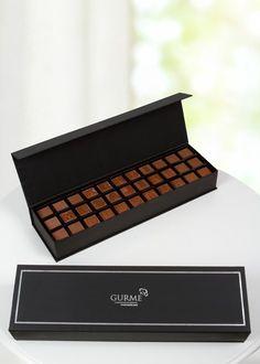 Bu hayatta ilk sizi daha sonra da çikolataları seven bir sevgiliniz varsa sevgililer günü hediyesi olarak çikolata almanız en doğru karar tabii ki :) Ama bu öyle sıradan bir çikolata olmamalı öyle değil mi? 33 karaktere kadar üzerine istediğiniz mesajı yazdırabileceğiniz harfli çikolatalar, sevgilinizin yemeğe kıyamayacağı tek çikolata olarak tarihe geçebilir. Ürün detayları için: http://www.buldumbuldum.com/hediye/kisiye_ozel_hazirlanan_sutlu_harf_cikolata_33_karakter/