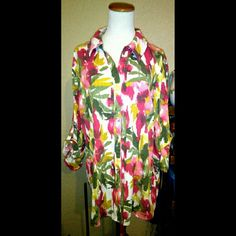 FLORAL BUTTON DOWN BLOUSE SIZE 2X GENTLY USED & WELL STORED WILLING TO DO BUNDLES ~ BUNDLES SAVE MORE ;) DECENT & FAIR OFFERS WILL BE ACCEPTED ;)  PLEASE ASK ME TO DOUBLE CHECK BEFORE PURCHASING I SELL ON OTHER SITES. SOMETIMES THE DAY GETS BUSY ;) I ANSWER ?'s 6:30AM - 8:30PM PACIFIC TIME WHEN I AM NOT DRIVING. THANK YOU & HAVE A GREAT DAY ;) Karen Scott Tops Button Down Shirts