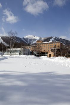 Located at the foot of the ski slopes, Club Med Hokkaido is home to tranquil mountains perfect for skiing and snowboarding with an elegant Japanese style.