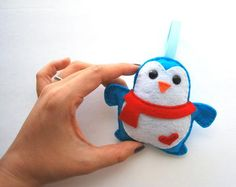 Holiday Ornament, Felt Penguin Christmas Ornament A340