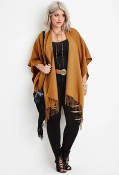 10 Cute Fall Outfit Ideas For Plus Size - Plus Size Fall Dresses - Ideas of Plus Size Fall Dresses Again I love this color combination: camel outerwear worn open layered over a black top. / Sandy Brown Cardigan All Black Cute Fall Outfits, Curvy Outfits, Mode Outfits, Autumn Outfits Curvy, Black Outfits, Outfits 2016, Office Outfits, Office Wear, Stylish Outfits