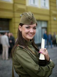 Türkiye ve Dünya İzlenimleri: Dünyanın Kadın Askerleri