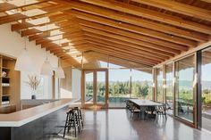 L'Angolo Estate // Lever Architecture