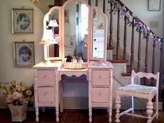 Sooooo...pink! Shabby chic vintage vanity.
