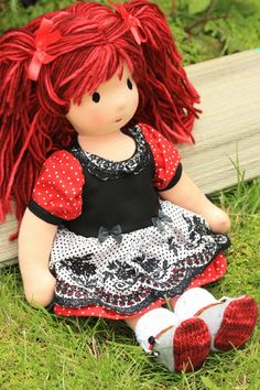 Learn about Dolls and How to make: Wardolf Doll (traditional European dolls). Links to tutorials