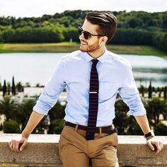 10 Things Women Find Most Attractive About Men's Style | e.g. thin tie, button down with rolled up sleeves