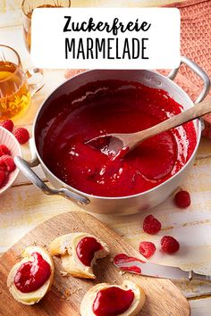 Marmelade mit wenig Zucker Sugar-free jam Enjoy sweet homemade jam for breakfast. Different types of fruit flavors. Make your own jam. Sugar Free Jam, Low Sugar, Vegetable Drinks, Healthy Eating Tips, Healthy Nutrition, Vegan Breakfast Recipes, Food Blogs, Food Menu, Food Inspiration
