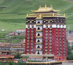 Tsogon Geden Choling monastery, Tibet 2012 by reurinkjan Nepal, Buddha Buddhism, Tibetan Buddhism, Buddhist Temple, Buddhist Art, Laos, Dalai Lama, Mount Everest, Qi Gong