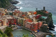 "https://flic.kr/p/qKEpES | Cinque terre (part 3) - View of Vernazza | Vernazza is one of the five towns that make up the Cinque Terre region. Vernazza has no car traffic, and remains one of the truest ""fishing villages"" on the Italian Riviera."