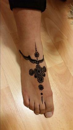 Henna Mehndi foot design