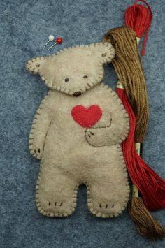 I love bears! ~ source: etsy.com http://broderiemyworld.tumblr.com/tagged/heart