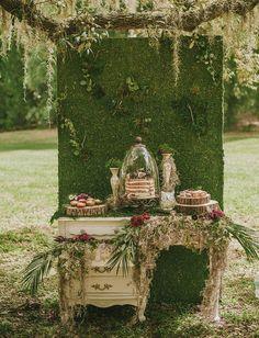 Green set for Wedding Cake. Wedding in Fonte della Regina Wedding Resort www.fontedellareginaweddingresort.com