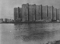 """Fotografia de la Rambla de la Marina inundada.  De """"Revista Destino"""" núm. 1774, 02.10.1971.  The flooded Marina's broadwalk, Bellvitge."""