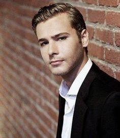 Anthony Ingruber --- great impressionist now an actor! Excellent portrayal as the young Harrison Ford in Age of Adaline!