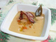 Fazolová krémová polévka Mashed Potatoes, Ethnic Recipes, Food, Whipped Potatoes, Smash Potatoes, Essen, Meals, Yemek, Eten