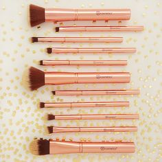 Feminine, classy & sexy! Find our Metal Rose - 11 Piece Brush Set available at bhc.com Makeup Tools, Makeup Brushes, Best Hair Loss Products, Makeup Utensils, Beauty Makeup, Eye Makeup, Hair Loss Shampoo, Natural Essential Oils, War Paint