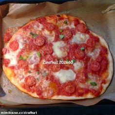 **Pizza Margerita**bez zdlouhavého kynutí, krásně tenoučká**