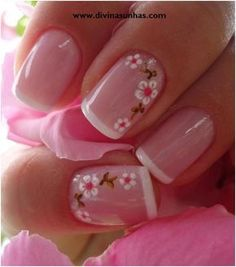 Opting for bright colours or intricate nail art isn't a must anymore. This year, nude nail designs are becoming a trend. Here are some nude nail designs. Fancy Nails, Trendy Nails, Sparkle Nails, Nail Manicure, Toe Nails, Gelish Nails, White Nails, Pink Nails, White Manicure