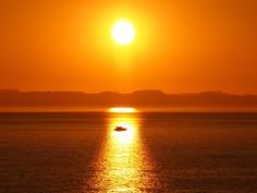 Beautiful sunset in La Paz, Baja California Sur, Mexico. Picture from https://www.facebook.com/LPZMX