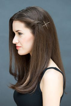 Super Easy Hairstyles You Can Do In Literally 10 Seconds .THE TWIST-AND-PIN Step 3