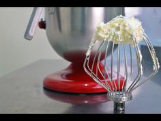 Crema de Unt cu Bezea Elvetiana pentru Tort Reteta - Swiss Meringue Buttercream | Robert Eisler - YouTube Swiss Meringue Buttercream, Unt, Cake Decorating, Good Food, Cakes, Decoration, Youtube, Wall, Cream