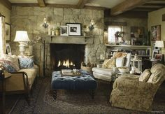 a perfect cottage living room from the film The Holiday