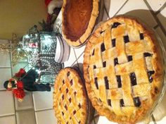 #pie #shop #atlanta #buckhead #slice #dessert #yum #sweet #baking #kitchen #tradition #sweet #savory #lunch #pieshop #wedding #birthday #specialorder www.the-pie-shop.com Christmas Pies, Christmas Goodies, Winter Christmas, Christmas Recipes, Atlanta Buckhead, Pie Shop, Shops, Desert Recipes, Cobbler