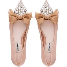 BALLERINA ($740) ❤ liked on Polyvore featuring shoes, flats, embellished flats, bow flats, bow ballet flats, cap toe ballet flats and ballet flats