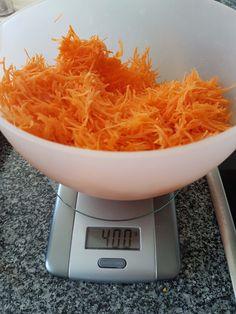 Rezept für Karottenkuchen ohne Mehl - glutenfrei und lactosefrei Fodmap, Low Carb, Vegan, Zucchini, Paleo, Food And Drink, Gluten Free, Yummy Food, Snacks