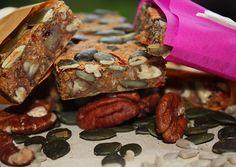 "www.c… – ""Super Seedy""-Granola-Rosmarin-Thymian-Riegel (Paleo & Ve… – kohlenhydrate rezepte Paleo Vegan, Granola, Ethnic Recipes, Food, Vegan Breakfast, Vegan Chocolate, Vegan Cake, Carb Free Recipes, Paleo Baking"