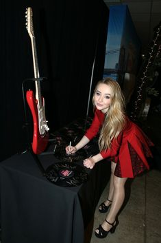 Sabrina Carpenter - & Coca-Cola All Access Lounge At Hammerstein Ballroom Sabrina Carpenter, Disney Original Movies, Celebrities In Stockings, Pantyhose Outfits, Nylons, Girl Meets World, Female Singers, Woman Crush, Beautiful Celebrities