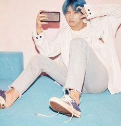Bts Map of Seúl persona concept photo version 1 Bts Taehyung, Namjoon, Bts Bangtan Boy, Hoseok, Taehyung Smile, Jungkook Selca, Foto Bts, Bts Memes, Kpop