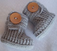 Crochet baby booties for newborn 03 M or 3  6 M by margarita779, $18.00