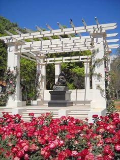 """""""El Rosedal"""".  Parque Tres de Febrero,  en el barrio de Palermo, en la ciudad de Buenos Aires en Argentina."""