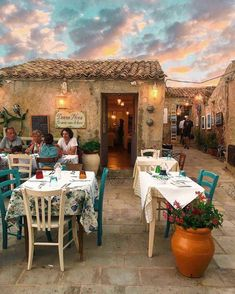 Tag who you'd take here👇 - Beautiful restaurant located in Sicilia, Italy. Places To Travel, Places To Visit, Travel Destinations, Italian Village, Sicily Italy, Puglia Italy, Tuscany Italy, Sorrento Italy, Verona Italy